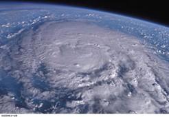 台風,サイクロン,ハリケーンの違いは?